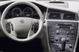 4205-b-Volvo_V70_2000