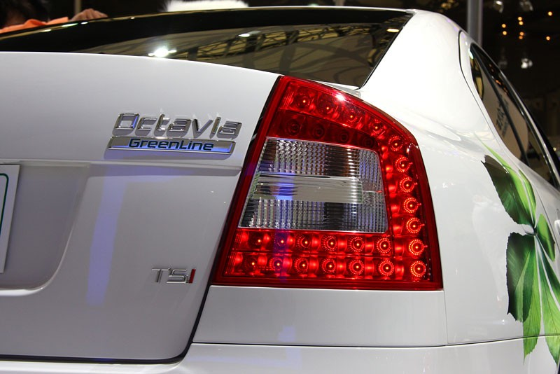 How To Flip Cars >> OEM 1ZD945095A - 1ZD945096A LED Tail Light Set - Skoda Octavia A5 MK2 Sedan for 199.00 € - Lighting